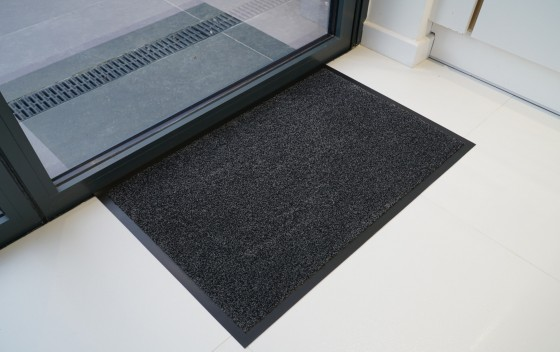 Non-slip-pvc-back-barrier-mats-Anthracite-corner